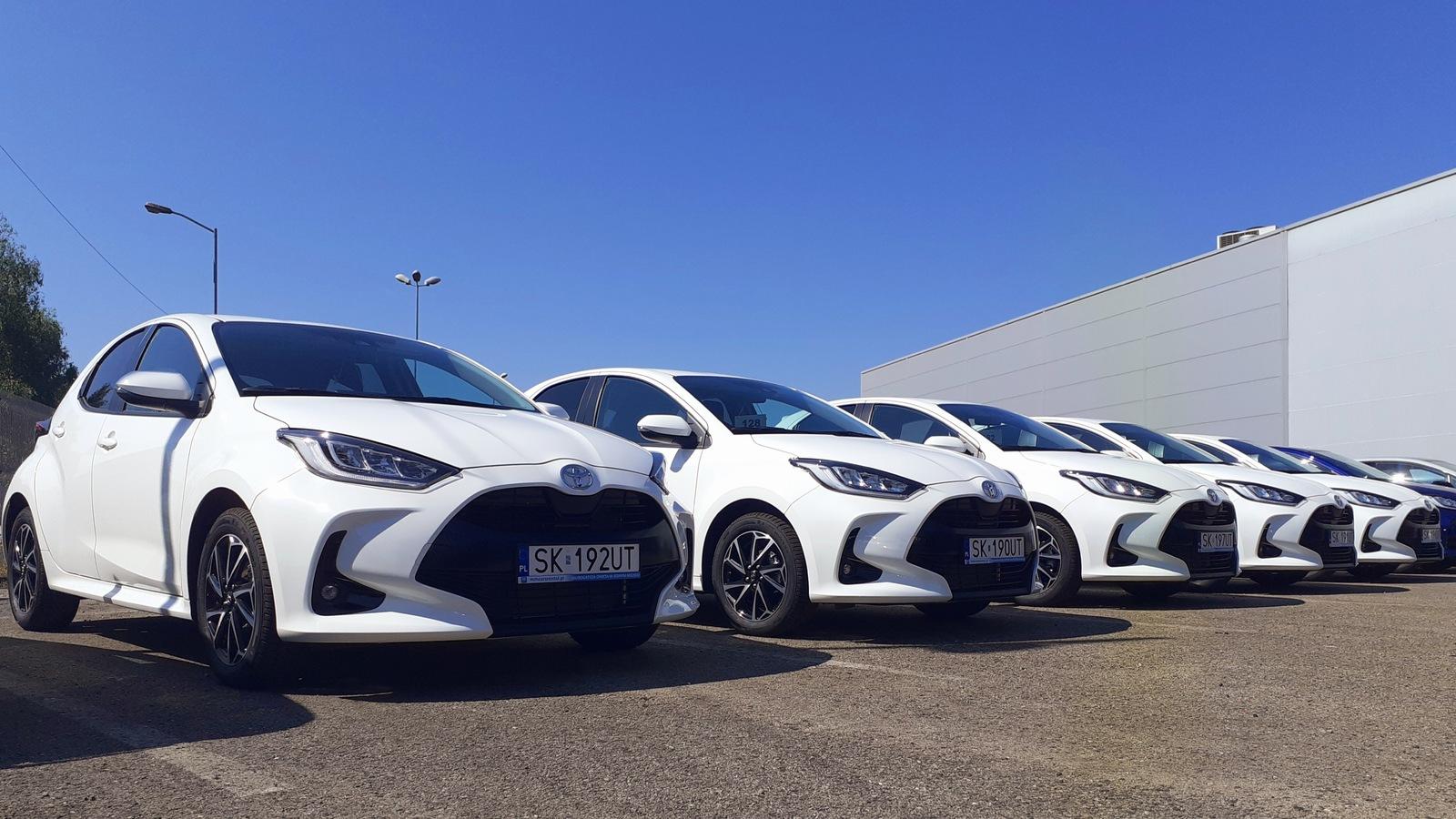 Toyota Yaris na wynajem w MM Cars Rental